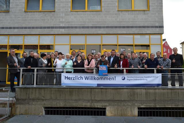 Gesellinnen und Gesellen der vier Handwerkskammern in Berlin und Brandenburg beim 3. Berlin-Brandenburger Gesellentag